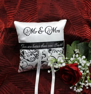 elegant-ringbearer-pillow-1